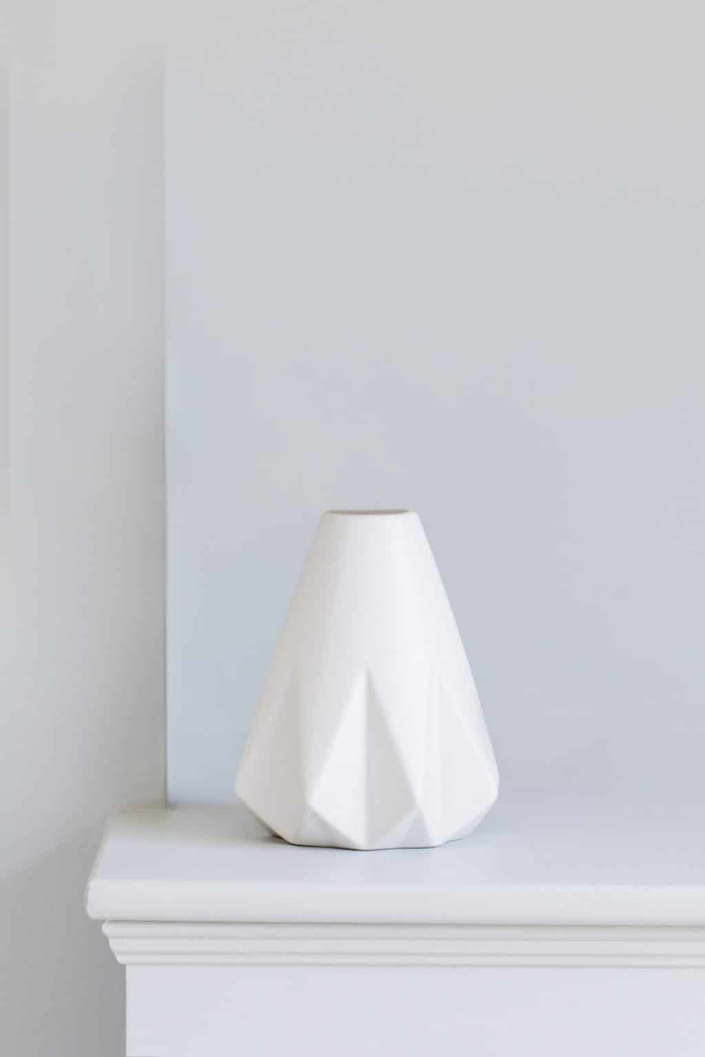 Indeco-flowers-geometric-vase